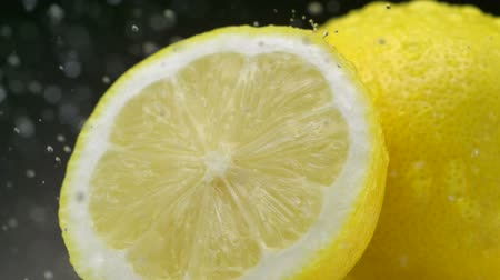 limão : Water droplets on lemons, Slow Motion Stock Footage