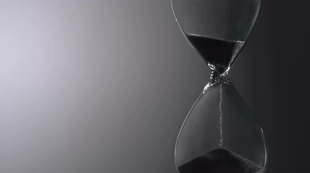 hora : Sands move through hour glass, Slow Motion