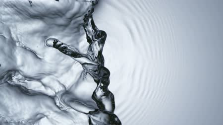 gotejamento : Extreme close-up water ripple, Slow Motion