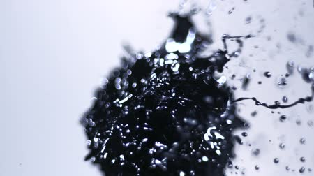 mıknatıs : Ferrofluid being blown shooting with high speed camera.