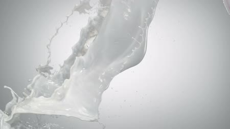 spat : Milk splash schieten met high speed camera.