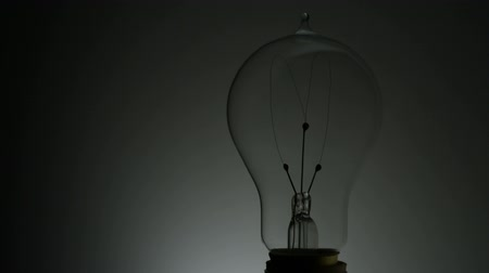 izzók : Light bulb shooting with high speed camera, phantom flex.