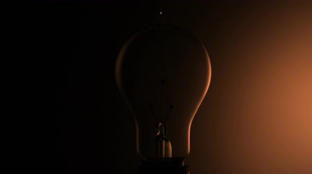 освещенный : Light bulb shooting with high speed camera, phantom flex.