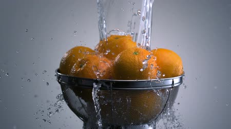 myjnia : Washing orange shooting with high speed camera, phantom flex.