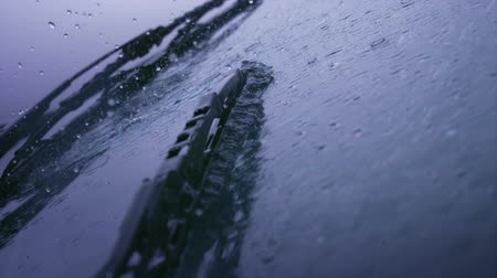 deszcz : Windshield wiper with rain shooting with high speed camera, phantom flex.