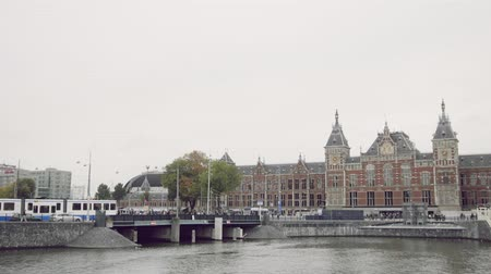urlop : Amsterdam, the Netherlands. 16 oct 2016. View of Holland railway station, outside Wideo