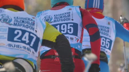 deslizamento : KAZAN, RUSSIA - March, 2018: group of professional skiers approaching the finish line