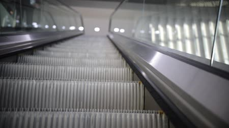 escalera : moving escalator up, mecanic, electic, Stair and escalators in a public area.