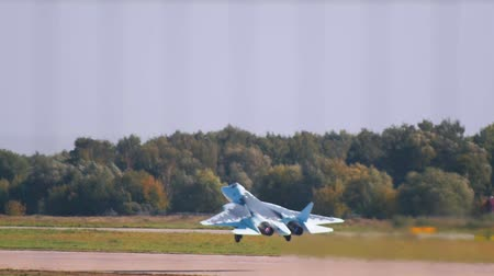 freedom fighter : 29 AUGUST 2019 MOSCOW, RUSSIA: reactive fighter planes are taking off the runway Stock Footage