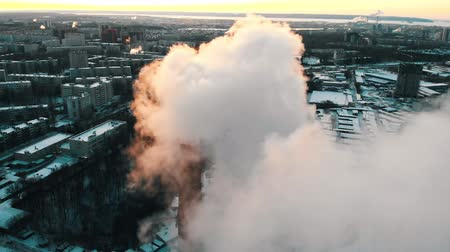 energetyka : Pollution - a big industrial pipe pollutes the air in the city - daylight Wideo