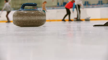 gránit : Curling - a granite stone on the ice field
