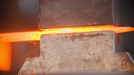 chamas : Forging industry - making a knife Vídeos
