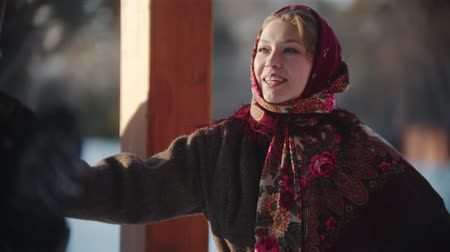 торжества : Russian folklore - Russian woman are smiling at the camera and dancing