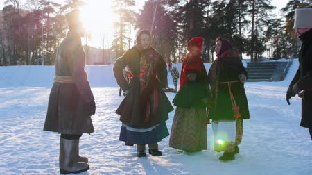 festividades : Russian folk - Russian man in his costume is jumping in dance
