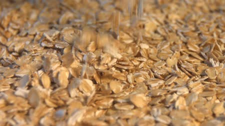 yulaf ezmesi : Oats. 3 Shots. Close-up. Slow motion.