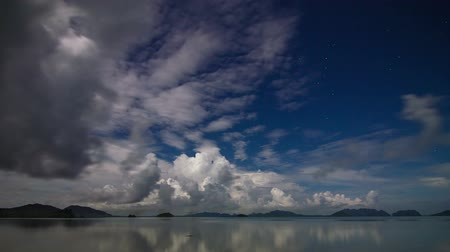 horizonte sobre a água : Night sea sky time lapse