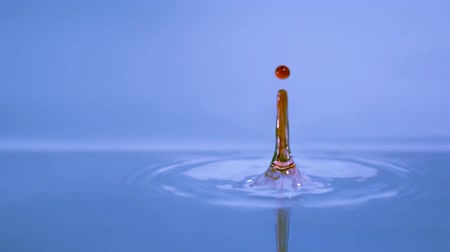 vízcseppek : water drop slow motion Stock mozgókép