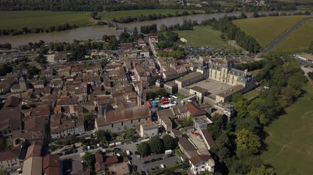 Aerial view of old old town of cadillac, Bordeaux, Gironde, France Stock mozgókép