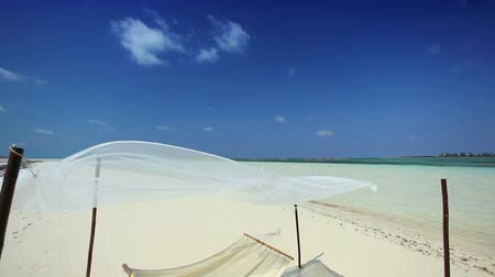 rejtekhely : White sand & hammock on a remote paradise island retreat