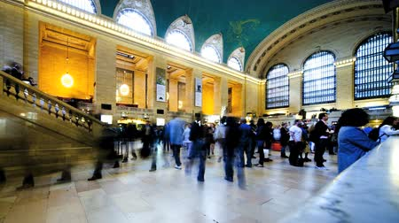 фотосъемка : Time Lapse, Grand Central Station New York, with people arriving and departing to destinations within the USA, North America Стоковые видеозаписи