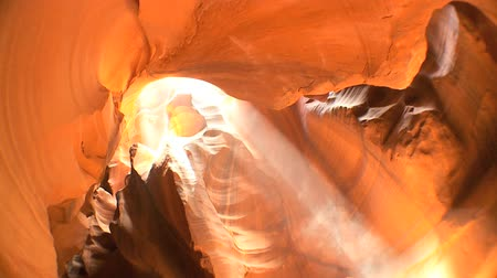 antilop : Underground sandstone rock formations created by weather conditions