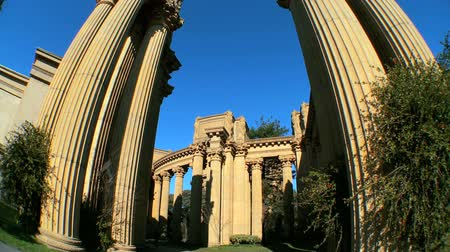 san francisco : Fish-eye view of columns & architecture of Palace of Fine Arts in San Francisco Stock Footage