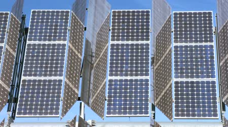 renovável : Close-up of photovoltaic solar panels producing environmentally clean renewable energy