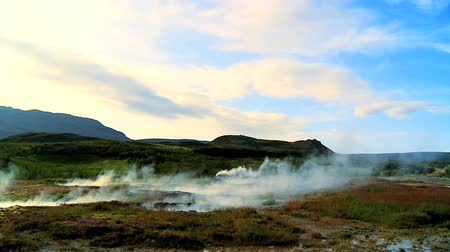 geológiai : Steam coming from hot volcanic springs bubbling to the surface 60 FPS