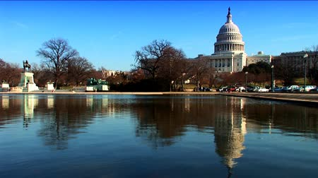 anıt : A visitors view  of the lake &  White House in Washington DC