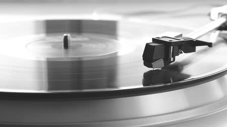 gravar : Vinyl player. Spinning record Stock Footage