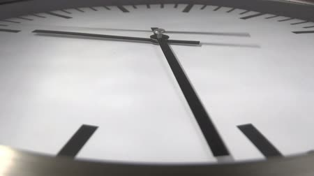 hurry : White clock time lapse