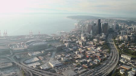 bina : Aerial view approaching downtown Seattle over highway