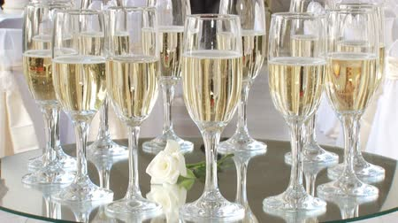 szampan : Catering - wedding glasses of champagne