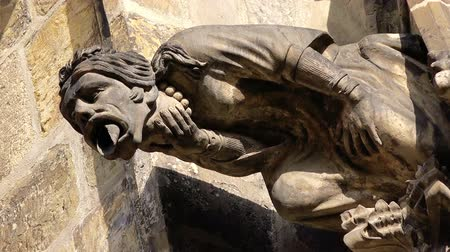 szatan : Gargoyle Statue on Saint Vitus Cathedral in Prague Castle Hradcany, Famous Tourist Sightseeing in Czech Republic Capital