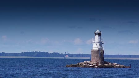 világítótorony : Lighthouse at Open Sea, Sunny Summer Day
