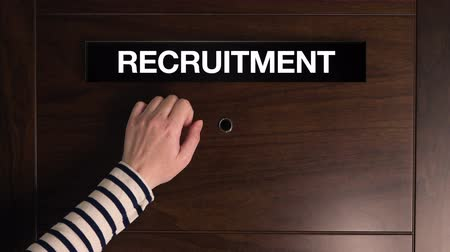 enrollment : Female hand knocking on the Recruitment door, woman looking for job Stock Footage