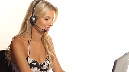 amadurecer : Pretty customer service worker woman being helpful