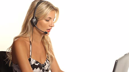 serwis : Blonde woman working at call center