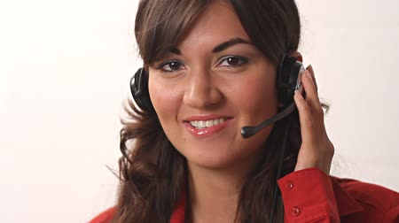 латина : Smiling beautiful customer service worker helping