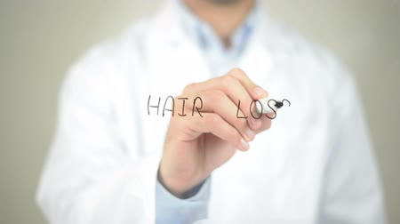 потеря : Hair Loss , Doctor writing on transparent screen