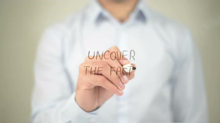 ídolo : Uncover The Facts , man writing on transparent screen Stock Footage
