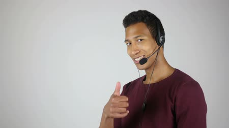 mikrofon : Thumbs up by Positive Call Center operator, Customer Service Quality Wideo