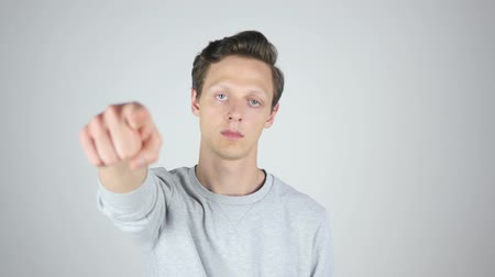 latino americana : Pointing with Finger Toward Camera, Young Man Gesture, Isolated Vídeos