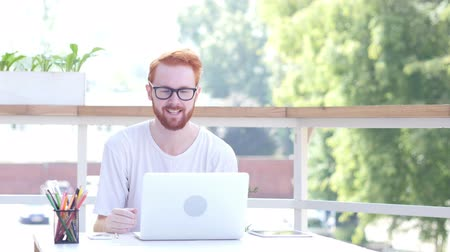 erkély : Online Video Communication, Chat by Man Sitting in Balcony of Office, Outdoor