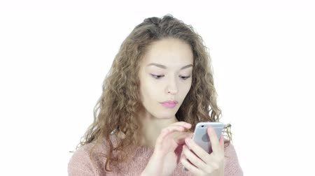 navegador : Woman Using Smartphone, White Background