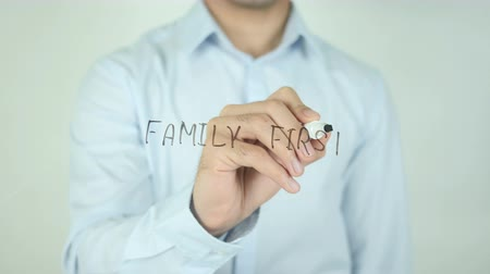 tomar : Family First, Writing On Transparent Screen Vídeos