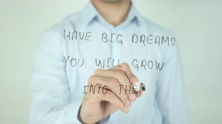 гуашь : Have Big Dreams You Wil Grow Into Them, Writing On Transparent Screen Стоковые видеозаписи