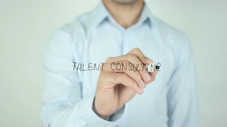 consultancy : Talent Consulting, Schrijven Op Transparent Screen Stockvideo