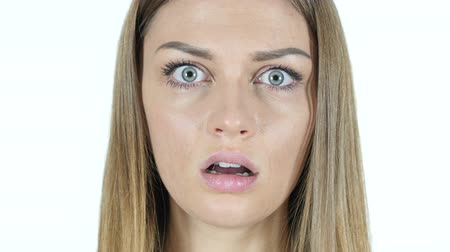 потрясенный : Close Up, Woman in Shock, White Background Стоковые видеозаписи