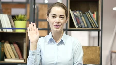 olá : Hi, Hello, Woman Waving Hand, Indoor Office